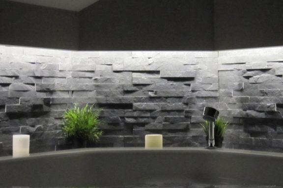Indirekte Beleuchtung im Bad